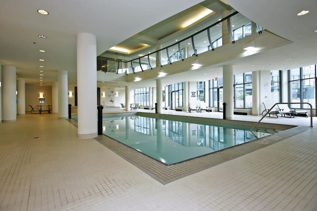 You will be able to enjoy the pool and the gym every day from 6:00am to 11:45pm.  Except between 9:30am and 11:00am when is closed for maintenance.