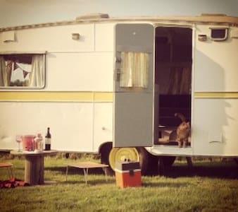 Vintage Caravan (1958) - Florence - Groeslon