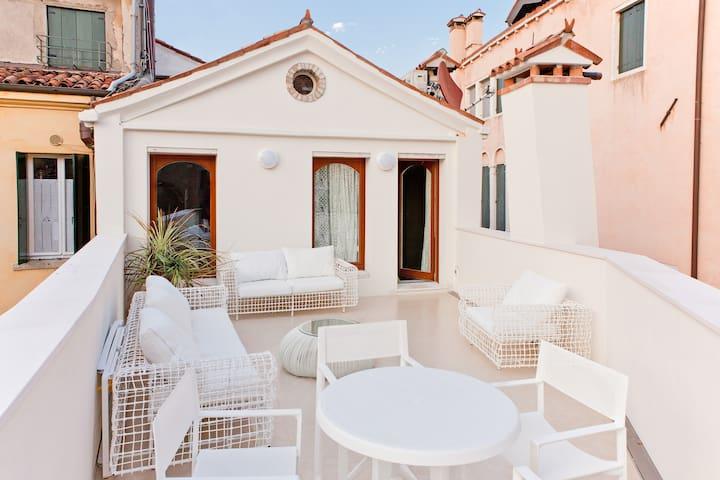 San marco terrace appartements avec services h teliers for Appartement san marco design venise