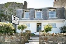 Margaret's Cottage B&B  is nestled beside  Margaret's Castle, which dates back to 1423. This is one of the six castles in the historic village of Ardglass.