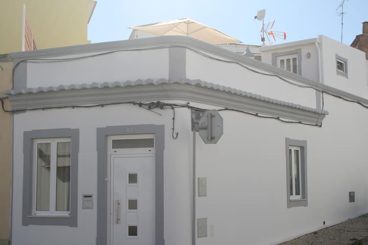 A CASA ALGARVIA (Algarvian House) - Faro