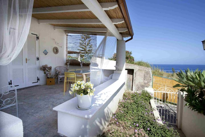Lipari centre chic studio with view - Lipari - Apartamento