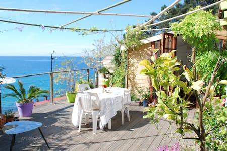 Maisonnette avec vue panoramique sur la mer ! - Le Pradet
