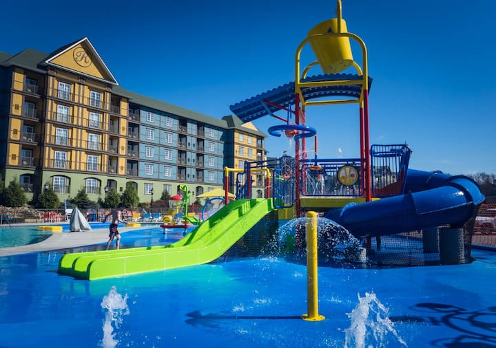 Family Friendly Waterpark Resort  Fully Furnished 1 Bedroom Condo-Resort at Governor's Crossing Guest will check in and receive a ResortPass during their stay. (Waterpark Closed Jan 3-15). Check in is at 4 check out is by 10.