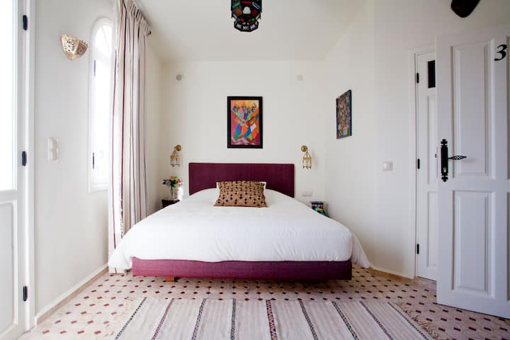 Kasbah Rose,your A1 location!Room 3