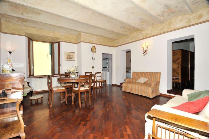 Appartamento  in palazzo d'epoca - Cetona - Apartment