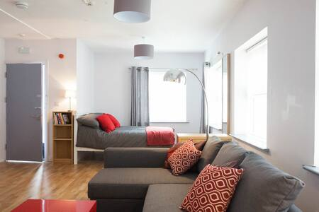 Studio apartment  Grand Canal Dock