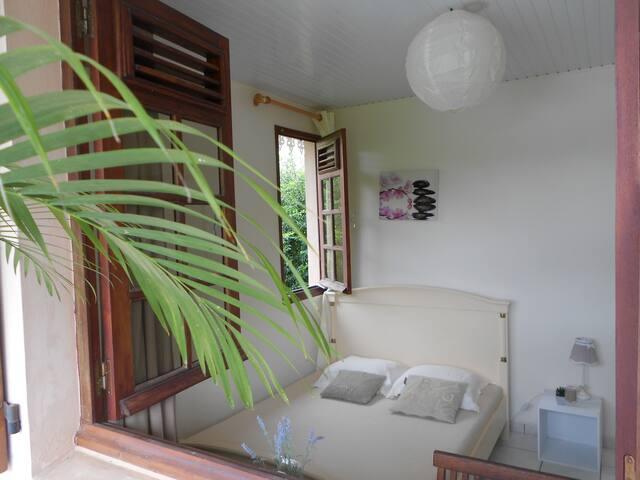 """Chambre """"Bella"""" 1 personne/proche plage - Les Trois-Îlets"""