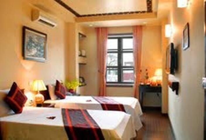 Deluxe Room central Hanoi Hotel - Lý Thái Tổ