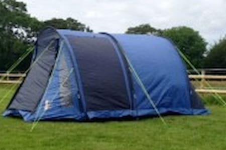 Pre - erected 4man camping tent. - Telt