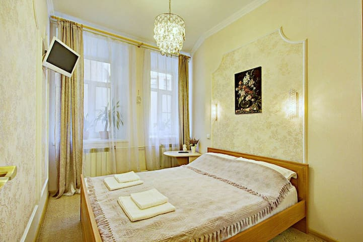 Сozy room with own bathroom, shared kitchen