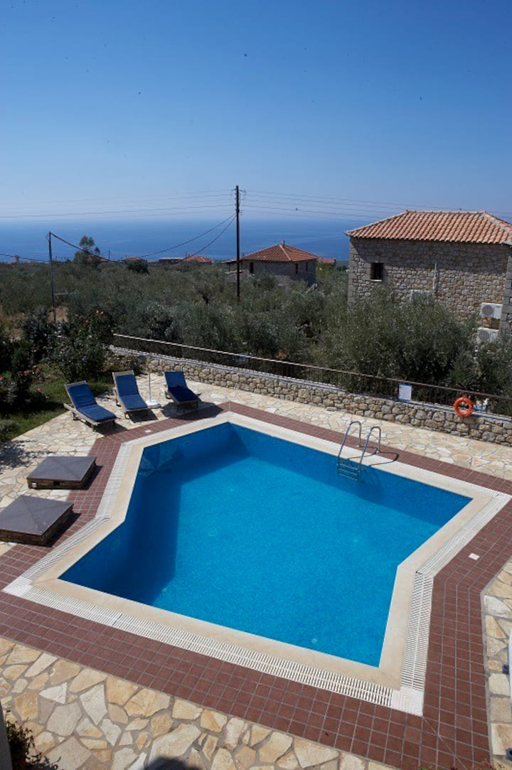 Olympia villas, Villa Olyvia (private pool)