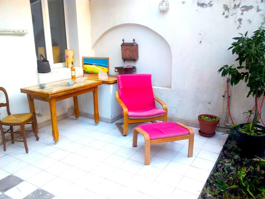 La terrasse calme et lumineuse pour se détendre