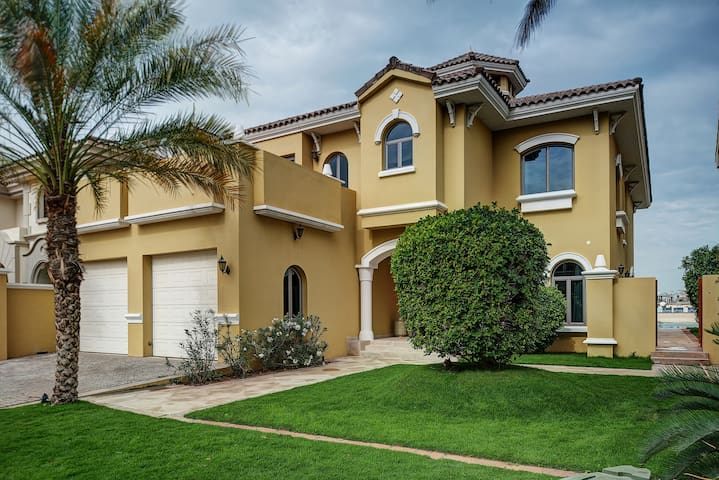 Palm Villa - Beach Front - Dubai - Villa