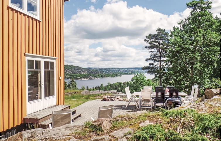 Holiday cottage with 6 bedrooms on 310m² in Sætre