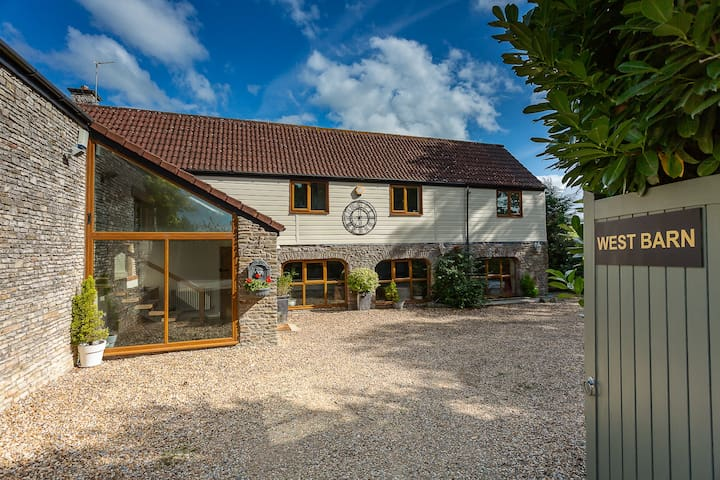 The West Barn near Bath, sleeps 23 + hot tub