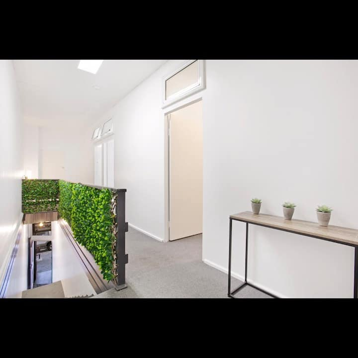 Sleeps 8. 4 bed Apartment in centre Newcastle CBD