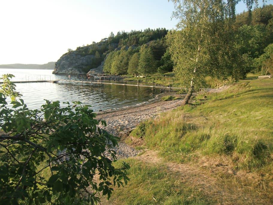 The nice beach is 150 m away! Good bridge