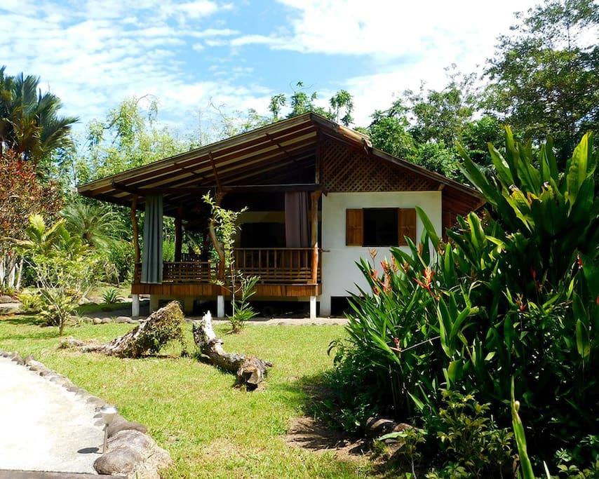 View towards veranda and kitchen