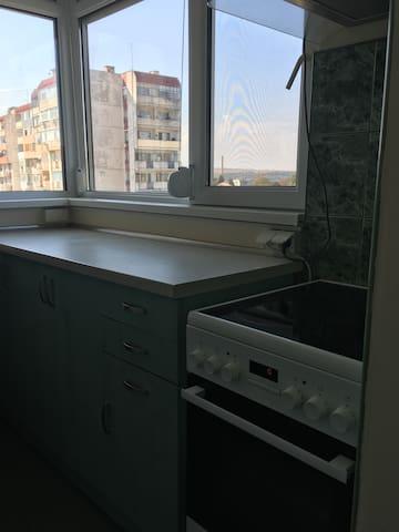 Луксозен апартамент, супер изглед, до Лудогорец