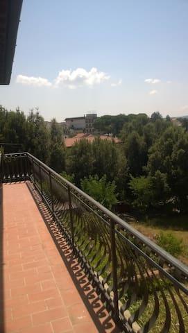 Chianti area near Florence & Siena - Bucine - House
