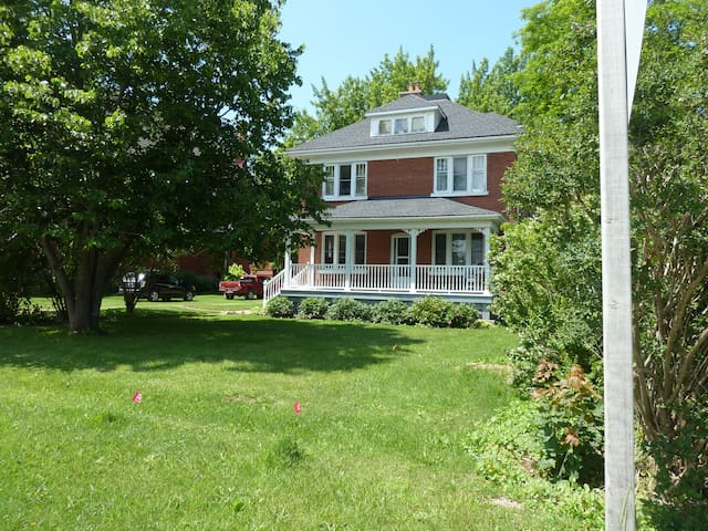 Country home close to Lake Huron - Goderich - Hus