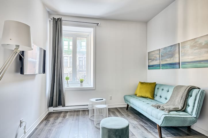 Stylish Cheerful Appartment Downtown Montreal