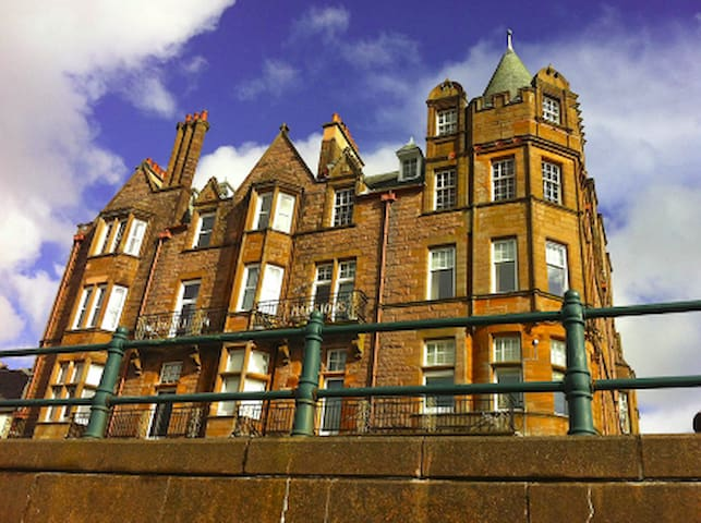 Top floor apartment in historic Argyll Mansions - Oban - Apartmen