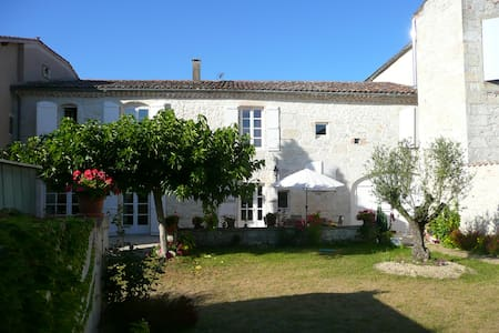 Chambre Hôtes Saint-Roch Gers 32380 - Bed & Breakfast