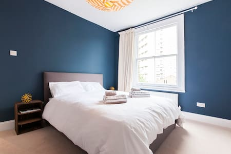 Stylish newly refursbished one-bed