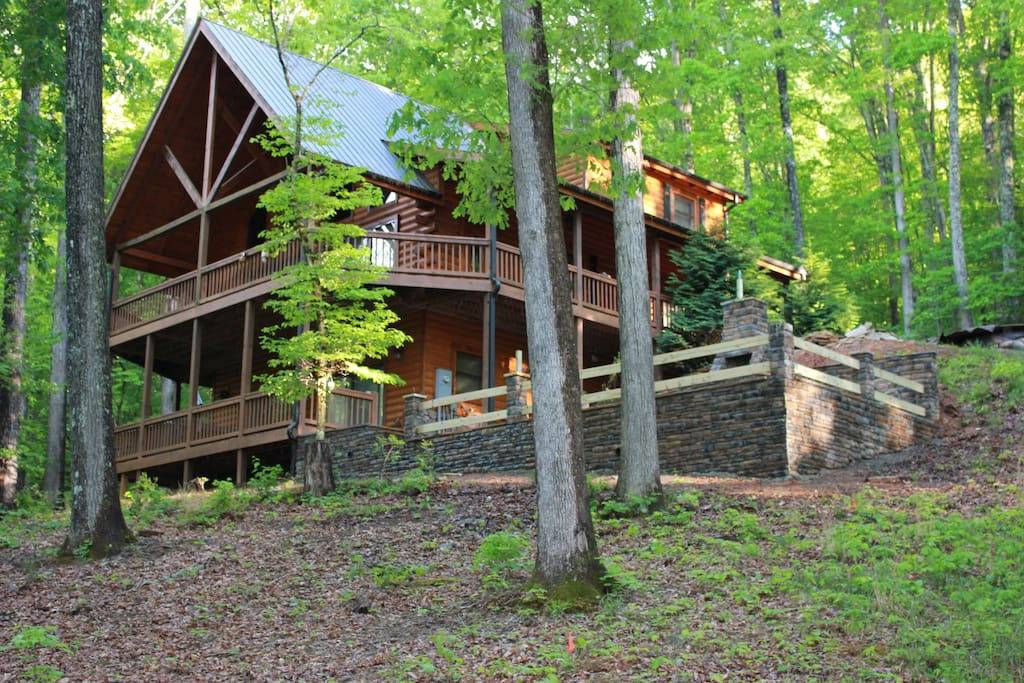 Situated on quiet wooded lot. Enjoy the hot tub or the huge outdoor firepit.