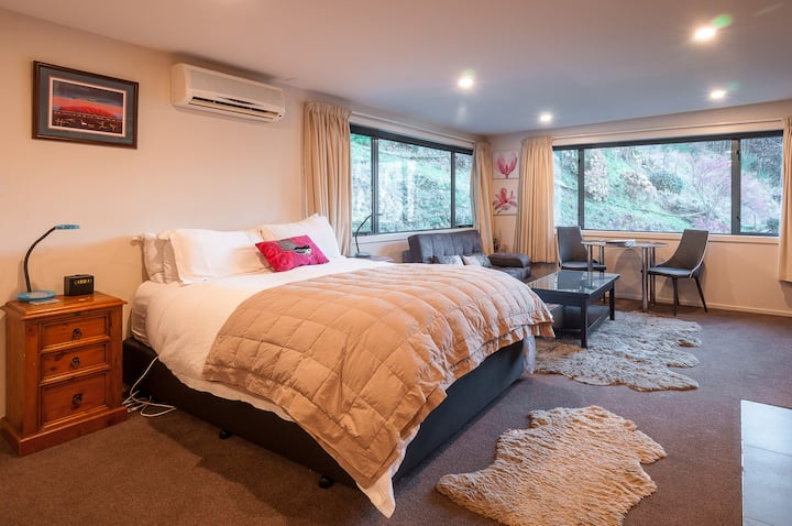 Coronet View Studio Apartment (2 Guests)