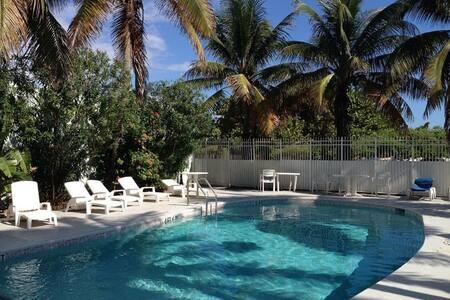 1 BD  OCEANFRONT SOUTH BEACH, POOL - Miami Beach - Wohnung