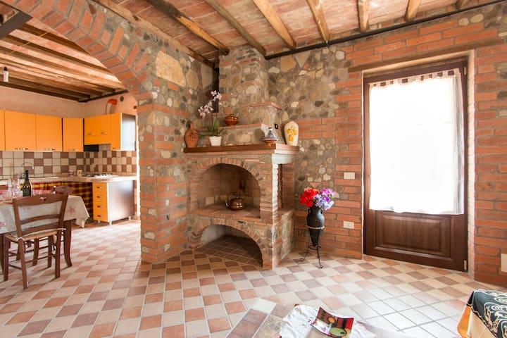 CASA  MARGHERITA - San Martino In Freddana-monsagr - Apartamento