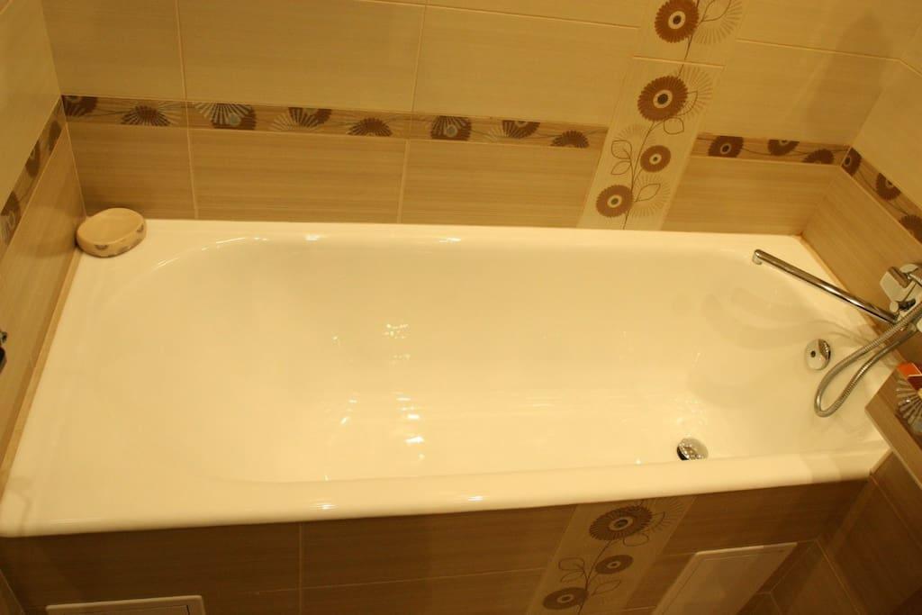 Новая ванна.