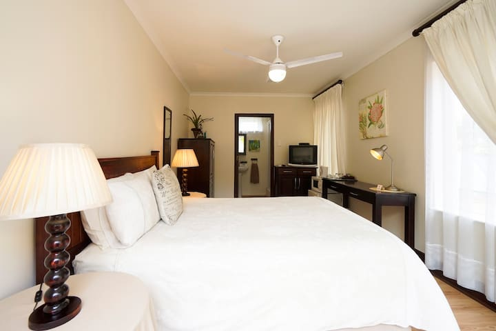 The Brother's Guest House- The Sunbird Room