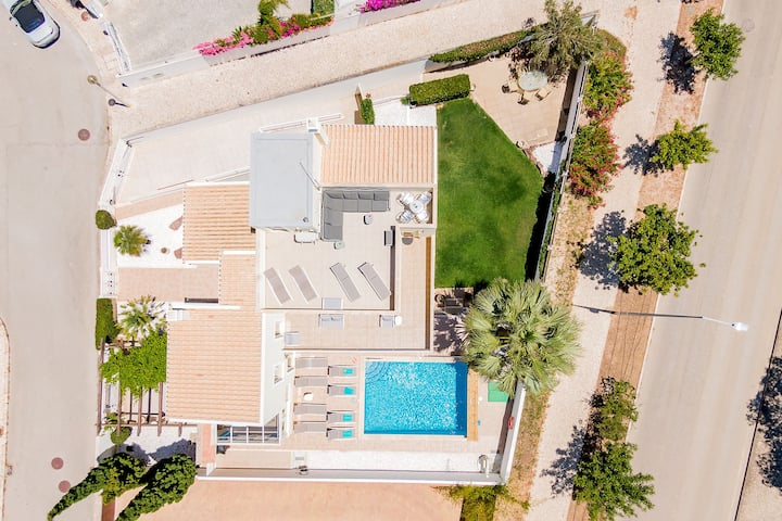 Villa with free Wi-Fi | A/C | private pool [can be heated] | garden | near beach | sea view [RLAG95]