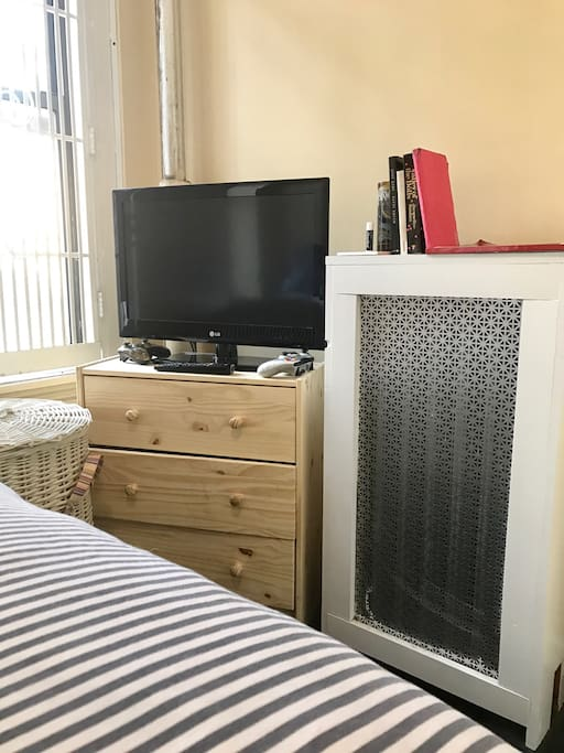 TV with Xbox and Netflix! Heat is available if it is cold during your stay.