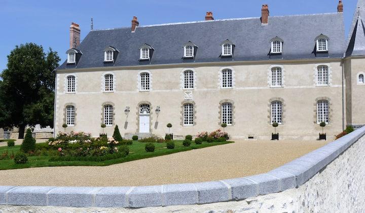 Un chateau du XVIIIème au confort moderne.
