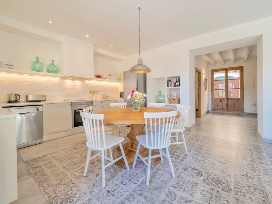 dinning room & kitchen casa son bordoi