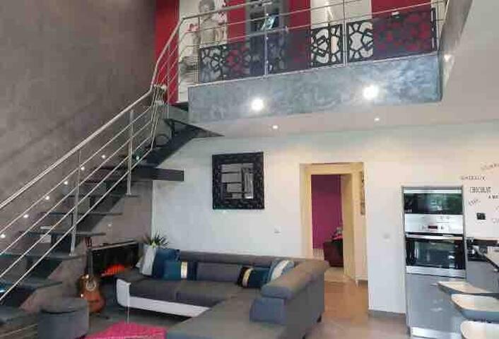Maison esprit loft 135 m2  a proximité de bordeaux