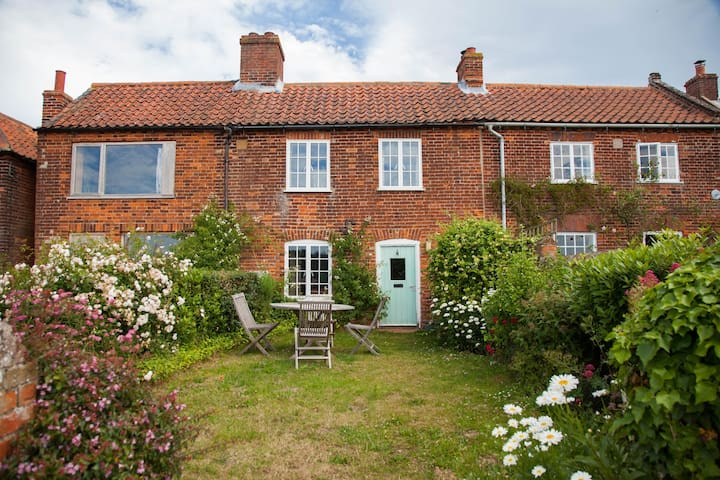 4 Gravel Hill - Burnham Overy Town - House