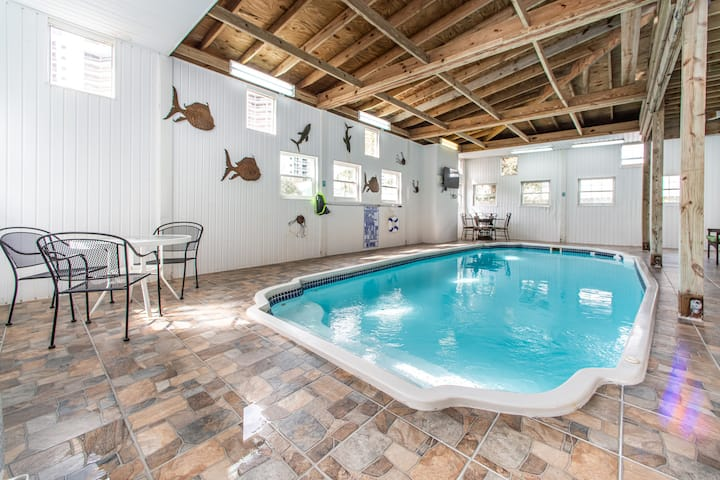 PRIVATE Indoor Pool⭐Renovated⭐Across from Beach⭐2X Sanitized⭐4BR The Pool House