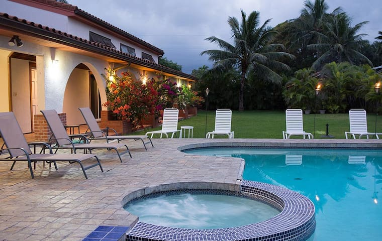 Private pool, spa and expansive garden