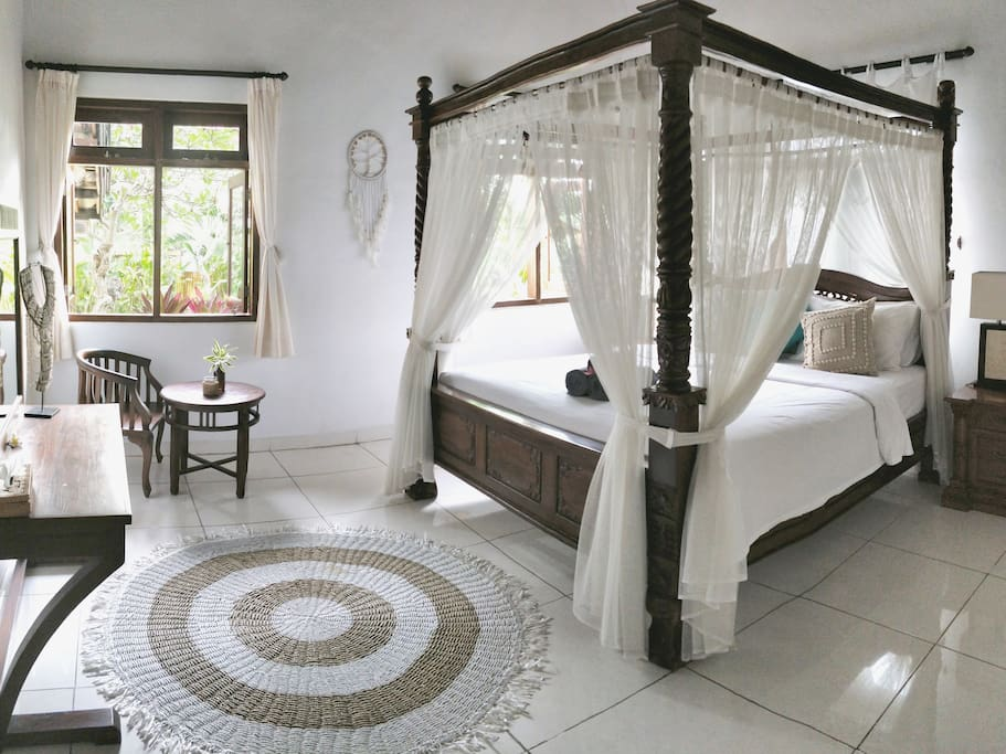 Your private room - a mix of traditional balinese and bohemian design