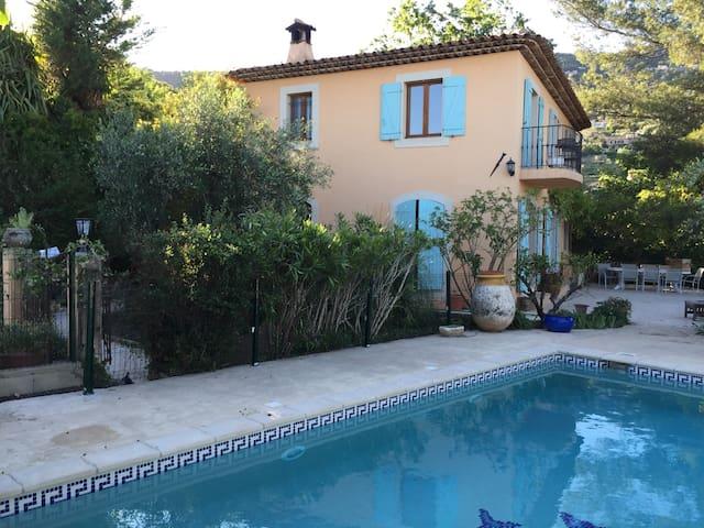 Villa 180M2 avec piscine - Spéracèdes - Villa