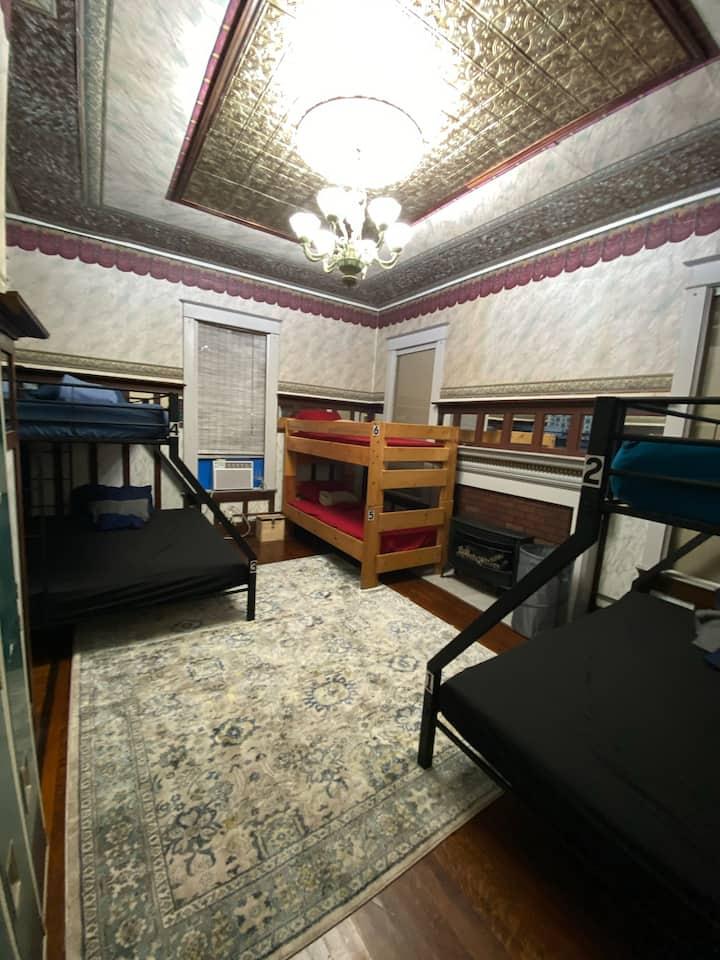 Ocean House Hostel with Ocean View Bed 28