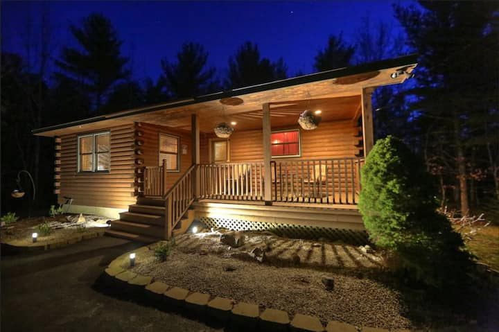 Picture Perfect Bar Harbor Log Cabin