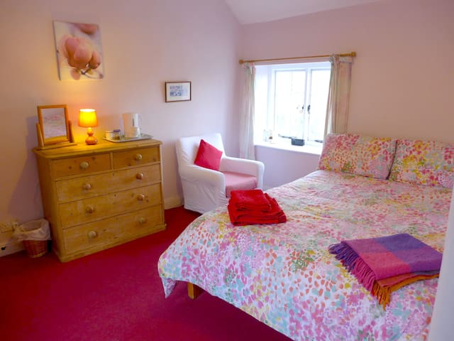 The Wild Cherry B&B, Wirksworth - Wirksworth - Bed & Breakfast