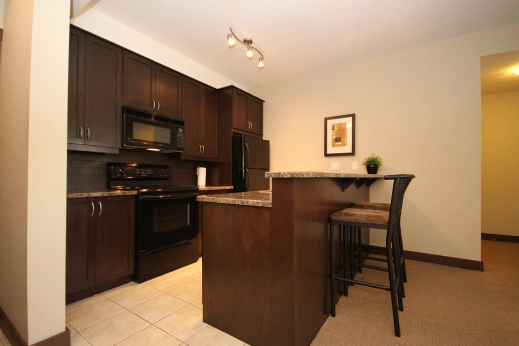 Great Kitchen with all the appliances and cookware you need